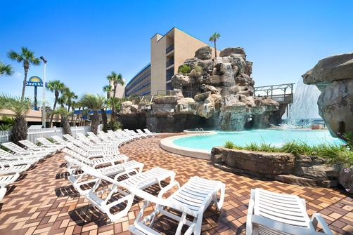 Days Inn Panama City Beach/Ocean Front - Panama City Beach - Pool