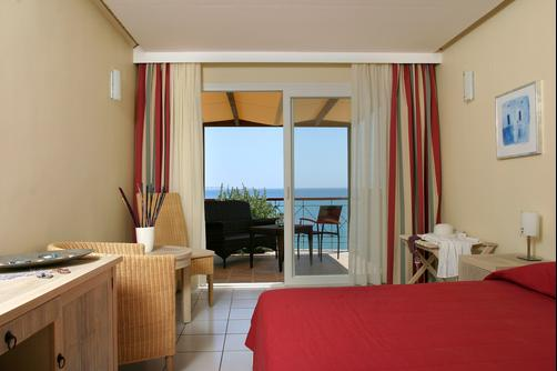 Erytha Hotel & Resort - Karfas - Bedroom