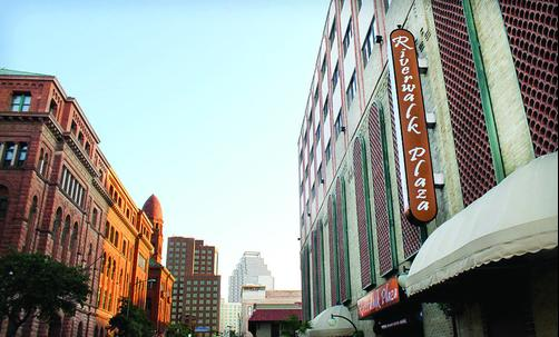 Riverwalk Plaza Hotel - San Antonio - Building