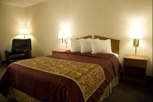 Guesthouse Inn & Suites Idaho Falls - Idaho Falls - King bedroom