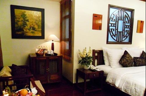 Golden Lotus Hotel - Hanoi - King bedroom