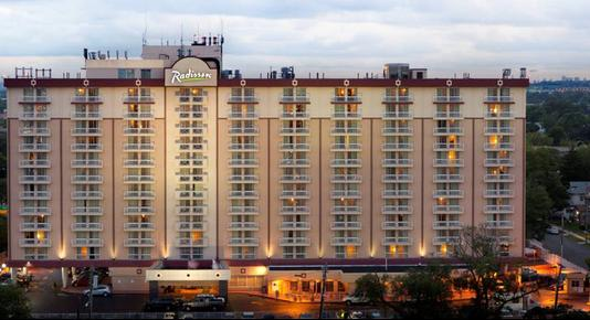 Radisson Hotel JFK Airport - New York - Building