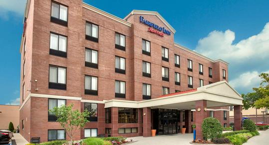 Fairfield Inn by Marriott New York LaGuardia Airport Astoria - Astoria - Building