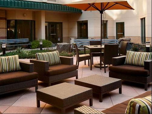 Courtyard by Marriott Jersey City Newport - Jersey City - Living room