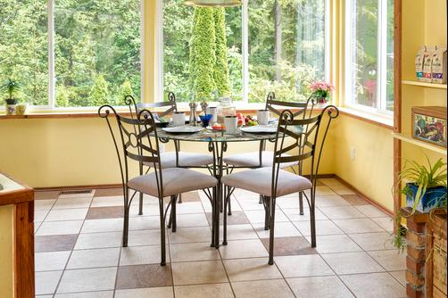 Tall Trees Bed & Breakfast - Prince Rupert - Kitchen