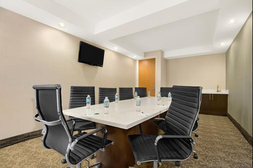 Wingate by Wyndham Richardson - Richardson - Conference room