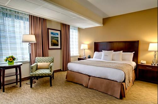 DoubleTree by Hilton Portland - Portland - King bedroom