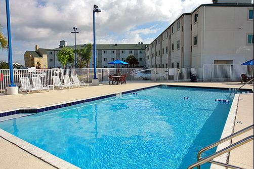 Motel 6 Orlando International Dr - Orlando - Pool