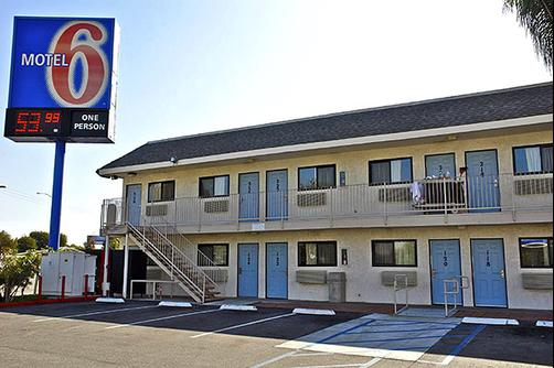 Motel 6 Los Angeles Harbor City - Harbor City - Building
