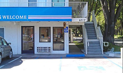 Motel 6 Stockton North - Stockton - Building