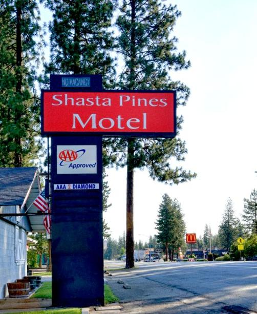 Shasta Pines Motel - Burney