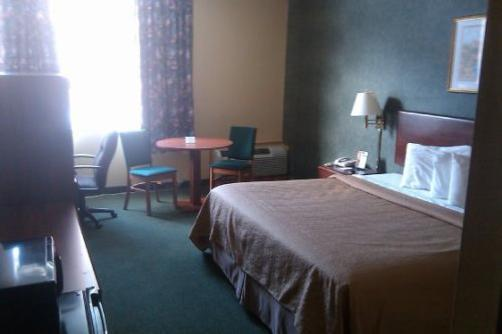 Hometown Inn Suites & Conference Center - Sault Ste. Marie