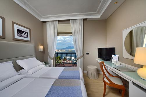 Best Western Hotel Paradiso - Naples - King bedroom
