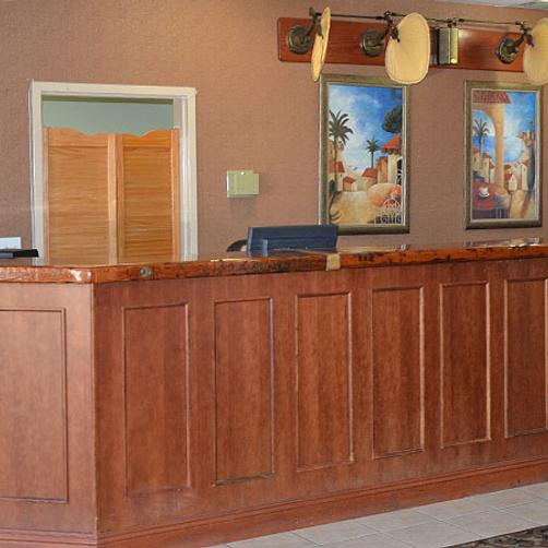 Magnuson Hotel and Suites Gulf Shores - Gulf Shores - Front desk
