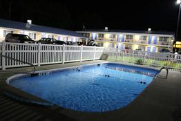 Westbridge Inn and Suites