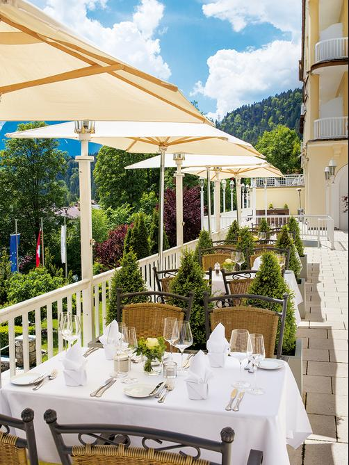 Grand Hotel Sonnenbichl - Garmisch-Partenkirchen - Patio