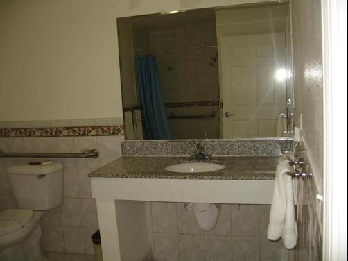 Tower Motel Long Beach - Long Beach - Bathroom
