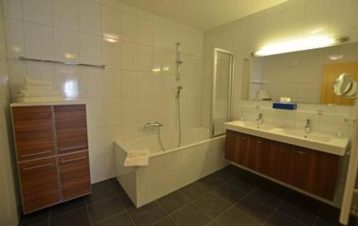 AlpinLodges Oetz - Oetz - Bathroom