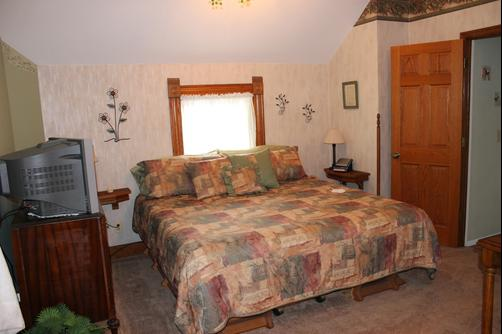 The Harney House Inn - Indianapolis - King bedroom