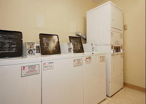 MainStay Suites Greenville Airport - Greer - Laundry facility