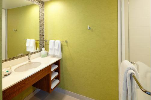 SpringHill Suites by Marriott Pittsburgh Latrobe - Latrobe - Bathroom