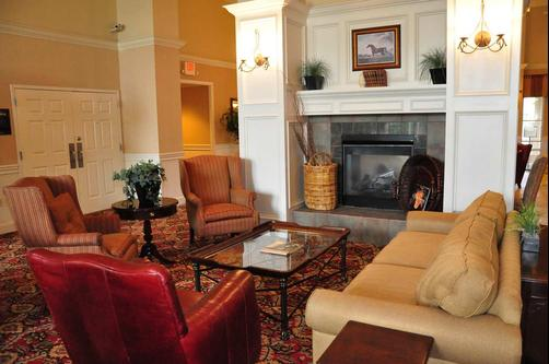 Homewood Suites by Hilton Charlotte Airport - Charlotte - Living room