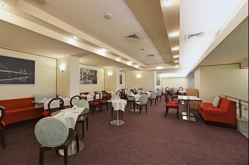 Ramada Bucharest Parc - Bucharest - Restaurant