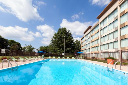 Holiday Inn Weirton - Weirton - Pool