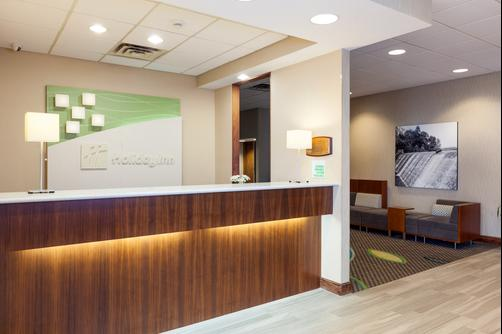 Holiday Inn Weirton - Weirton - Lobby