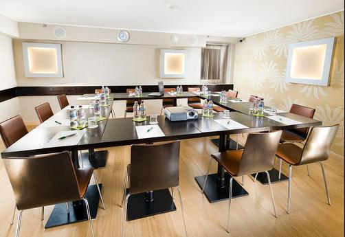 Opera Garden Hotel & Apartments - Budapest - Conference room