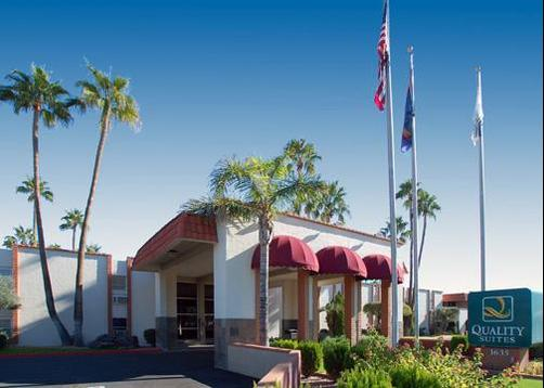 Quality Suites near Old Town Scottsdale - Tempe - Building