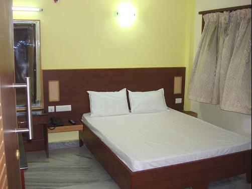 Hotel Vijay - Madurai - Bedroom