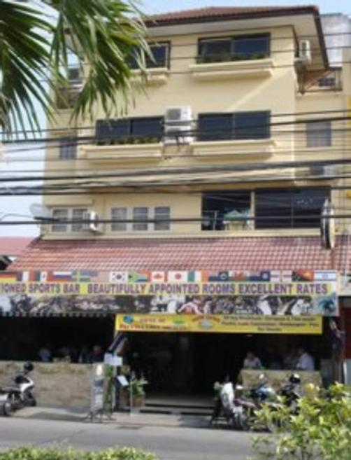 Rabbi's Elephant Bar and Guesthouse - Pattaya - Building