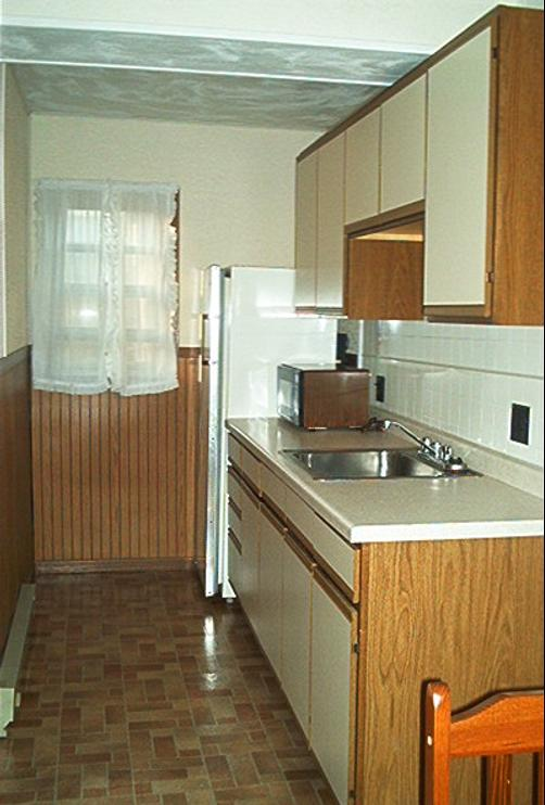 4 Winds Motel - Baraboo - Kitchen