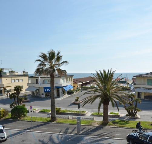 Hotel Apollo - Viareggio - Outdoors view