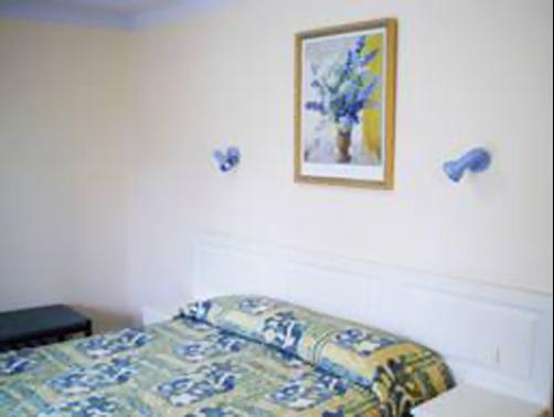 Excelsior Motor Inn - Port Macquarie - Bed