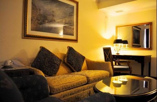Subic Bay Venezia Hotel - Subic Bay Freeport Zone - Living room