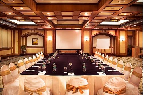 The Lotus Suites - Mumbai - Conference room