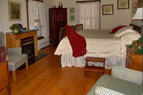 Fitchclaremont Vineyard Bed And Breakfast - Bozrah - Bedroom
