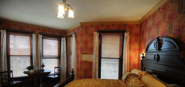Historic Webster House - Bay City - Bedroom