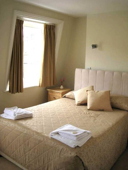 Edward Lear Hotel - London - Bed