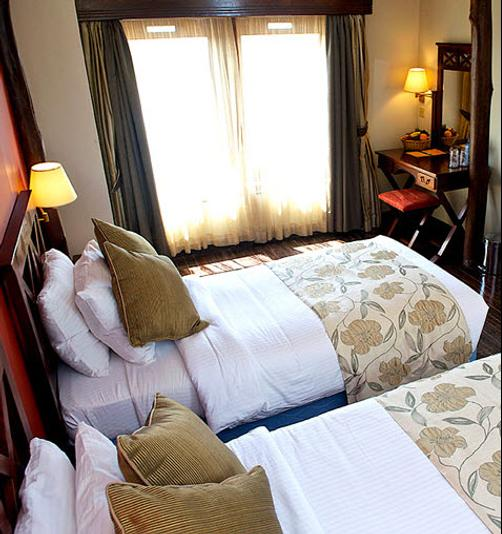 Treetops Lodge - Nyeri - Bedroom