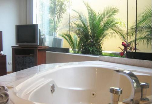Suites Orrantia - Lima - Bathroom
