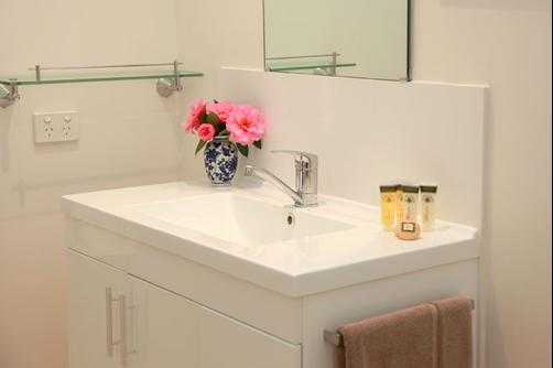 Avoca House & Cottage Accommodation - Wollombi - Bathroom