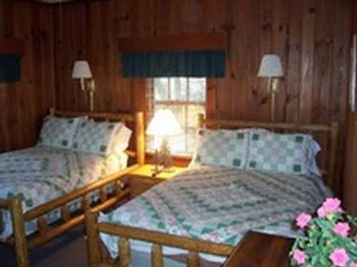 Mitchells Lodge And Cottages - Highlands - Bed