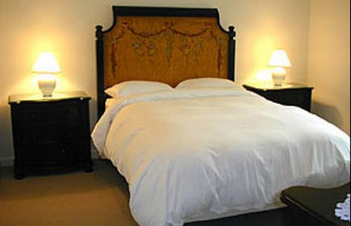 The Inn of Lake George - Lake George - Bed