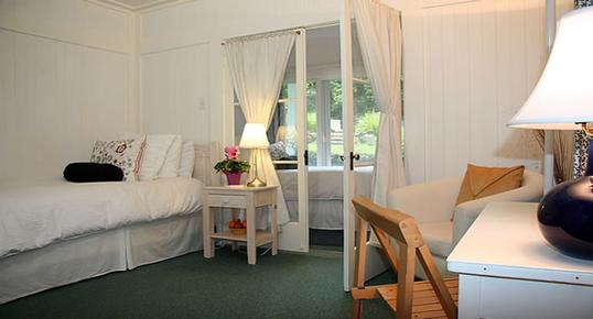 Pepper Tree Retreat - Ojai - Bedroom