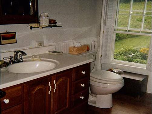 A Meadow House - Lakeville - Bathroom