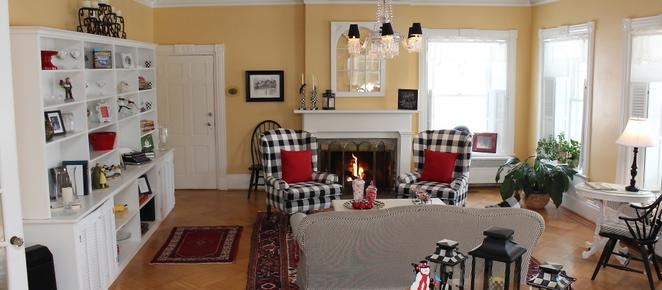 1837 Cobblestone Cottage - Canandaigua - Living room