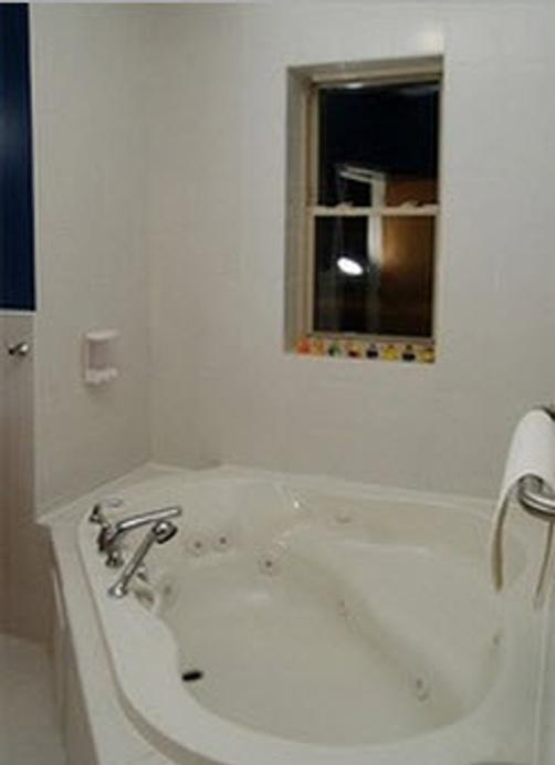 Ashland Arms Guest House - Chicago - Bathroom